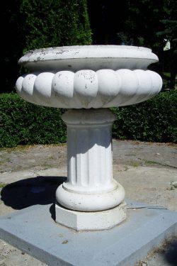 Klasikinė betoninė vaza gėlinė